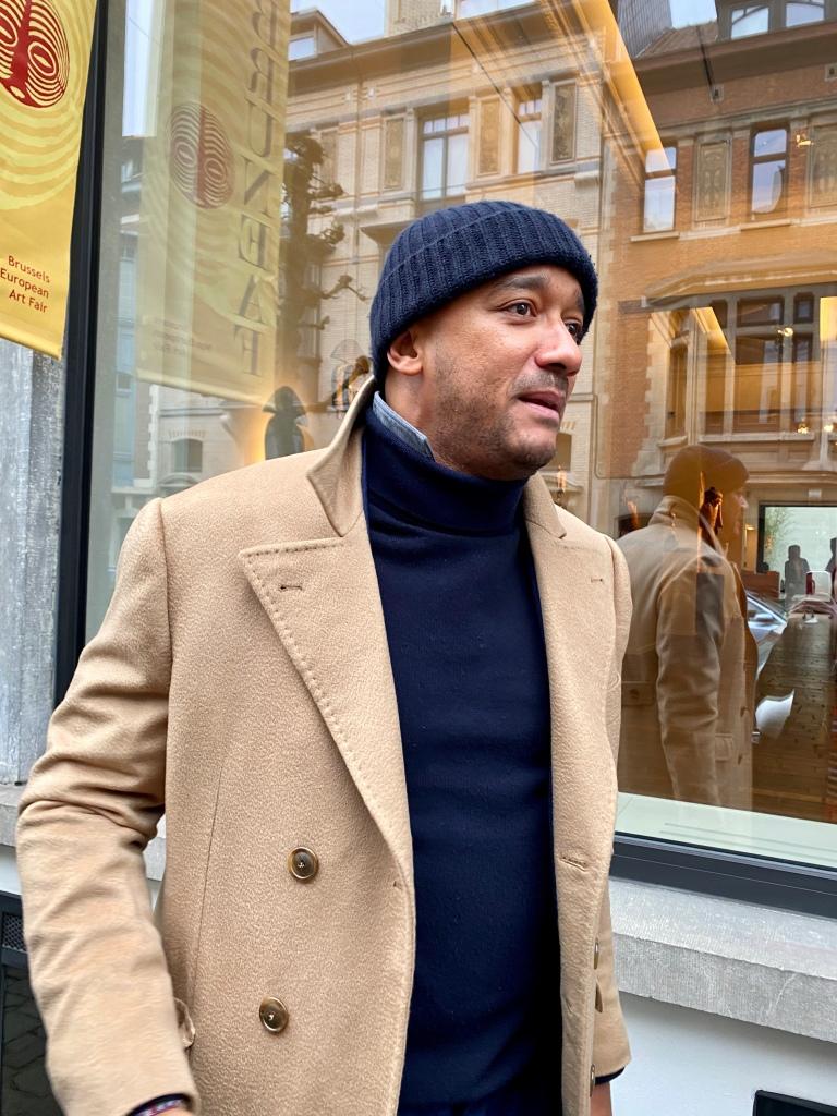 Didier Claes beim Galerienrundgang auf der Bruneaf 2020.